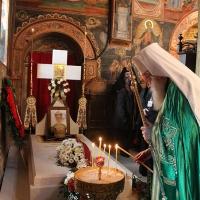 Заупокойна литургия за патриарх Максим в Троянската света обител_2