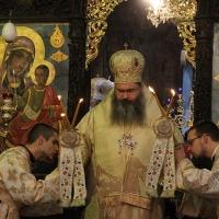 Заупокойна литургия за патриарх Максим в Троянската света обител_5