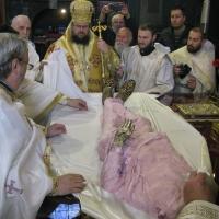 бяха преоблечени мощите на св. крал Стефан Милутин_3