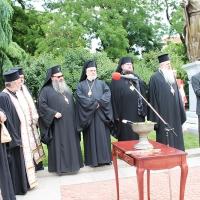 Българският патриарх Неофит освети новопостроения паметник на цар Самуил_3