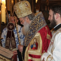 Българският патриарх Неофит отслужи първата част на Богородичния акатист_12