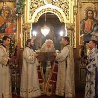 Българският патриарх Неофит отслужи първата част на Богородичния акатист_16