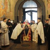 Българският патриарх Неофит отслужи първата част на Богородичния акатист_3