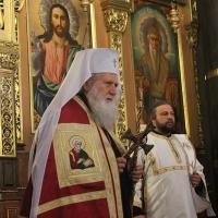 Българският патриарх Неофит отслужи първата част на Богородичния акатист_6
