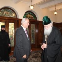 Българският патриарх Неофит се срещна с футболната легенда Христо Стоичков_1