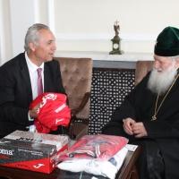 Българският патриарх Неофит се срещна с футболната легенда Христо Стоичков_4