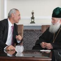 Българският патриарх Неофит се срещна с футболната легенда Христо Стоичков_5