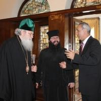 Българският патриарх Неофит се срещна с футболната легенда Христо Стоичков_9