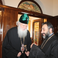 Българският патриарх Неофит прие днес първия архиерей на Арменската епархия в България Исахк Бохосян_1