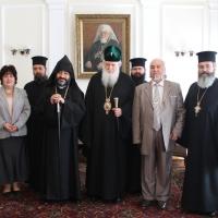 Българският патриарх Неофит прие днес първия архиерей на Арменската епархия в България Исахк Бохосян_6