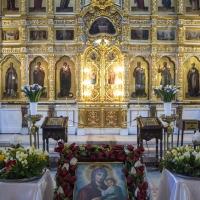 В храм Покров Богородичен в София
