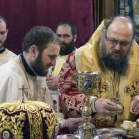 Свещеническо причастяване