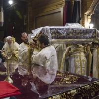 Лития с плащаницата около св. престол