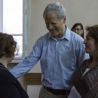 Момент от срещата на проф. Ед Гафни (в средата) в Богословския факултет