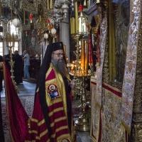Пловдивският митрополит Николай пред Фануилската чудотворна икона на св. Георги