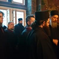 Певците събрани на десния клирос - за Херувимската песен