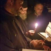 На левия клирос, по време на всенощното бдение