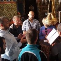 Българските певци - на левия клирос и във Ватопед