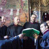 Певците, водени от г-н Андрей Касанов