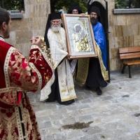 Донасяне на чудотворната икона на Пресвета Богородица - Вратарница