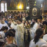Велик вход - със светите дарове