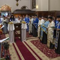 Изпълнение на Молебния канон на Пресвета Богородица в храм Покров Богородичен