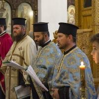 Съборно изпълнение на Богородичния канон в храм Рождество Богородично