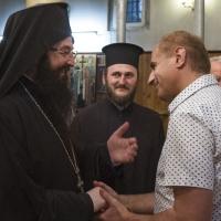 Благословия от протосингела за кмета на Кюстендил - г-н Петър Паунов (вдясно)