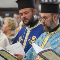 Свещениците Георги Янъков и Росен Андонов