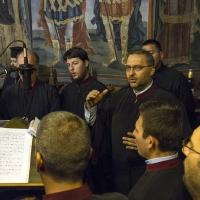 Певците от дясната певница, водени от Андрей Касабов