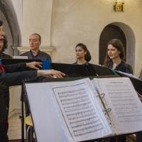 Храмовият хор с диригент Роси Николова