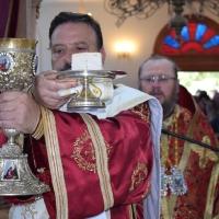 В светия олтар - софийският митрополитски протодякон Иван Петков