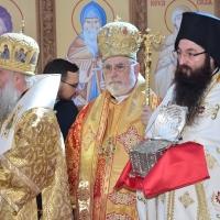 Софийският протосингел архимандрит Василий с мощехранителница с частица от мощите на св. Андрей Първозвани