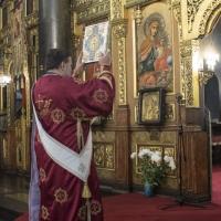 Малък вход на литургията - протодякон Иван Петков