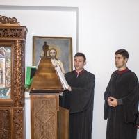 Клиросните певци, водени от г-н Светослав Цеков