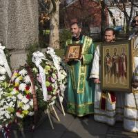 Пред паметника на св. Климент Охридски