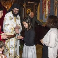 Раздаване на анафора и иконки на св. Климент