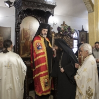 Посрещане на митрополит Антоний в храма