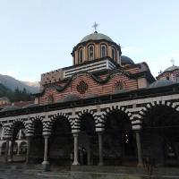 Рилският манастир по здрач