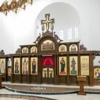 Новият иконостас на катедралата в Кралево - Св. Сава