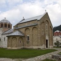 Манастир Студеница - църквата Св. Успение Богородично (на преден план) и отзад Краљева црква