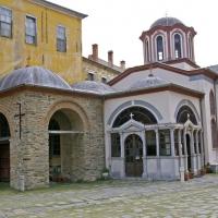 Църквата Богородица Портаитиса, край входа на манастира Ивирон. Снимка: Мартин Митов