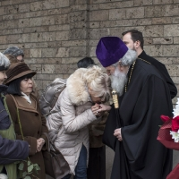 Десетки вярващи поздравиха патриарх Неофит за годишнината от интронизацията му