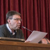 Проф. д-р Андрей Андреев чете становището си